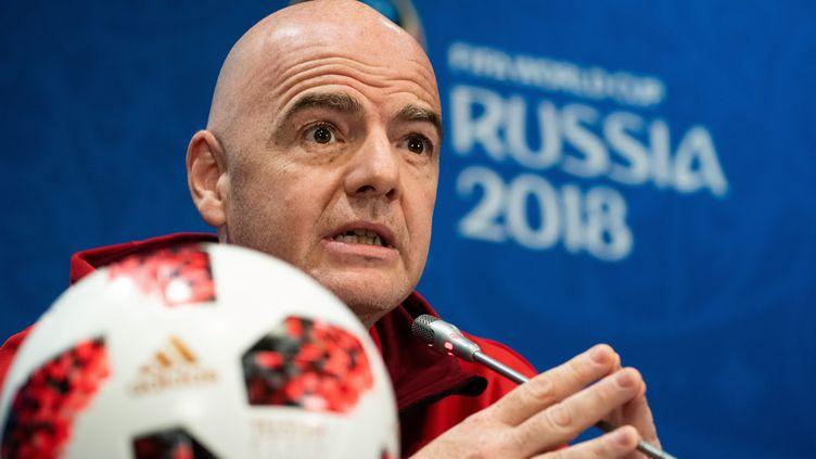 Gianni Infantino, le président de la FIFA, lors d'une conférence deux jours avant la finale de la Coupe du monde 2018 en Russie. (JEWEL SAMAD / AFP)