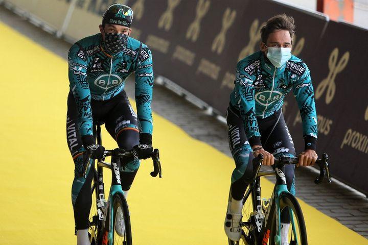 Jens Debusschere et Bryan Coquard avant le Tour des Flandres, le 4 avril 2021. (LAURENT LAIRYS / LAURENT LAIRYS)