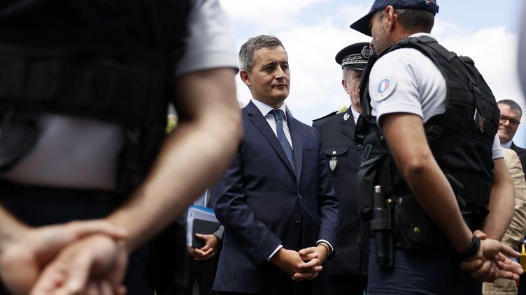 Le nouveau ministre de l'Intérieur Gérald Darmanin au commissariat des Mureaux (Yvelines), le mardi 7 juillet 2020. (THOMAS SAMSON / POOL)