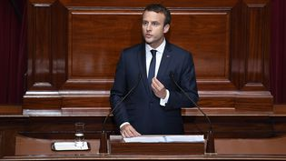 Le président français Emmanuel Macron s'exprime devant le Congrès réuni à Versailles (Yvelines), le 3 juillet 2017. (ERIC FEFERBERG / AFP)