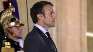 Emmanuel Macron, le 31 octobre 2017 à l'Elysée. (LUDOVIC MARIN / AFP)
