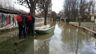 La rivière a débordé avec une crue qui a atteint 5,55 mètres dans la nuit. (ALEXANDRE ABERGEL / RADIOFRANCE)