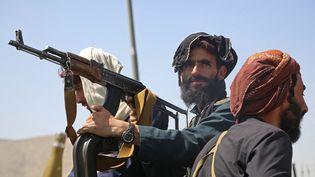 Des combattants talibans à Kaboul (Afghanistan), le 16 août 2021. (- / AFP)