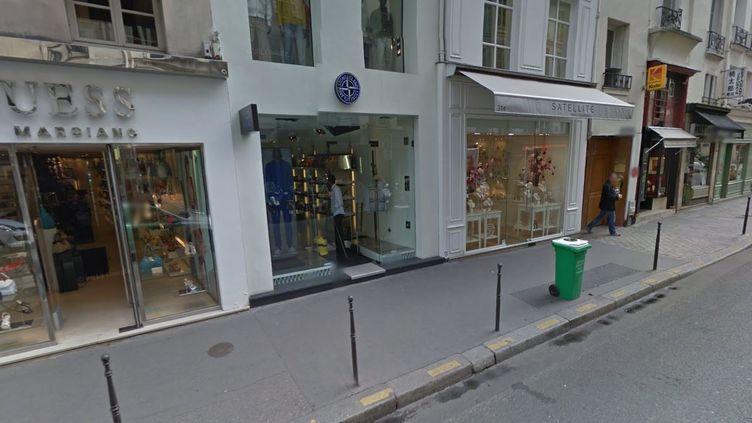 Le magasin Stone Island, situé rue Saint-Honoré à Paris, a été cambriolé, jeudi 10 avril 2014 au matin. (GOOGLE MAPS / FRANCETV INFO)