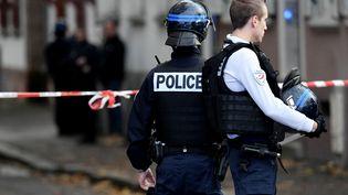 Des policiers à Mulhouse (Haut-Rhin), le 6 novembre 2019. (SEBASTIEN BOZON / AFP)
