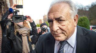 Dominique Strauss-Kahn arrive à son hôtel à Lille (Nord),le 17 février 2015, lors du procès de l'affaire du Carlton. (PHILIPPE HUGUEN / AFP)