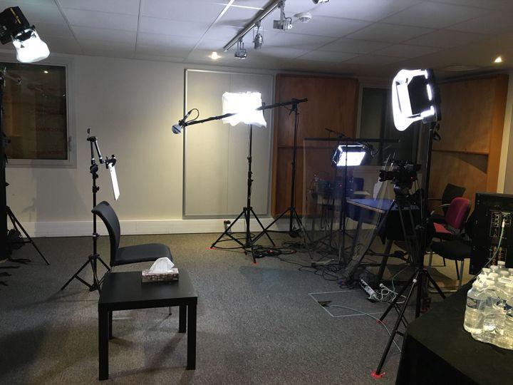 L'un des studios d'enregistrement du Programme 13-Novembre à l'INA. (CATHERINE FOURNIER / FRANCE INFO)