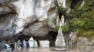 La grotte de Lourdes (Hautes-Pyrénées), le 15 mai 2012. (CALLE MONTES / PHOTONONSTOP / AFP)