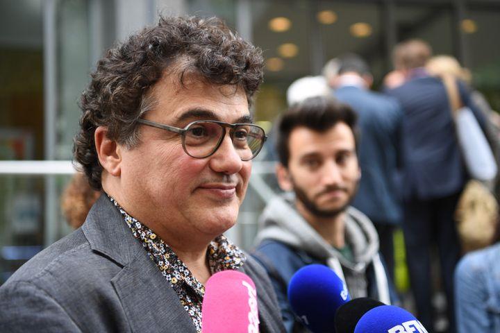 Patrick Pelloux répond aux journalistes après une rencontre avec la ministre de la Santé Agnès Buzyn, le 9 septembre 2019, à Paris. (ERIC FEFERBERG / AFP)