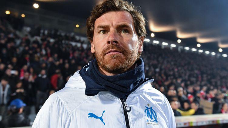 Malgré le départ d'Anodin Zubizarreta, André Villas-Boas est toujours l'entraîneur de l'Olympique de Marseille. (PASCAL GUYOT / AFP)