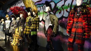 Les Punks version Jean Paul Gaultier au coeur de l'exposition au Grand Palais.  (Corinne Jeammet)