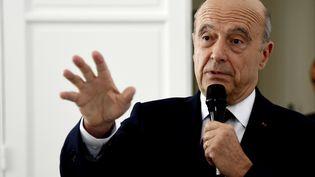 Alain Juppé, le 29 juillet 2016, à Paris, lors d'une conférence de presse. (DOMINIQUE FAGET / AFP)