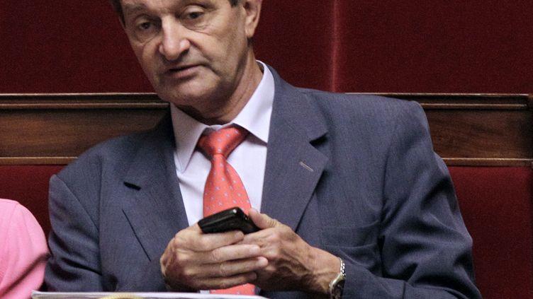 Le député socialiste Gérard Bapt, le 27 septembre 2011 à l'Assemblée nationale (Paris). Il fait partie des 27 députés qui refusent de signer l'amendement PMA dans le cadre du projet de loi mariage pour tous. (JACQUES DEMARTHON / AFP)