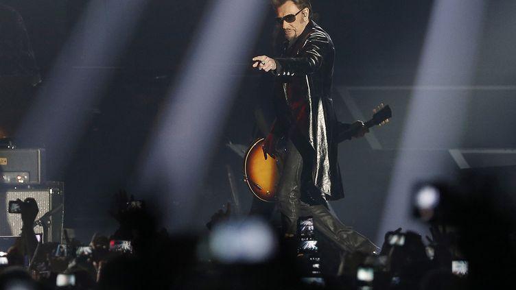 Johnny Hallyday en concert à Bercy, le 27 novembre 2015 à Paris. (FRANÇOIS GUILLOT / AFP)