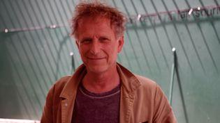 Charles Berling au théâtre Présence Pasteur, à Avignon, lundi 12 juillet 2021. (JEREMIE LAURENT-KAYSEN)