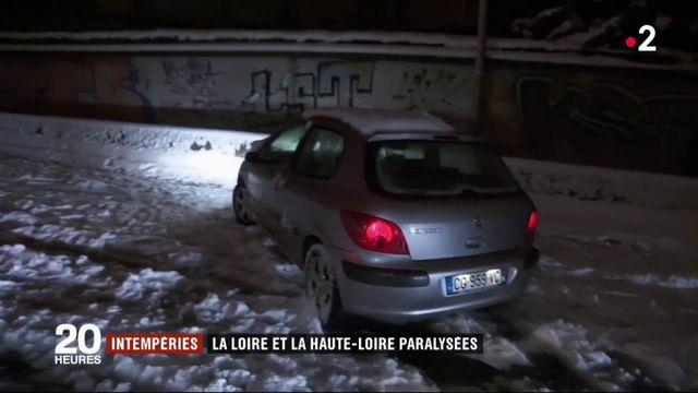 Neige : la Loire et la Haute-Loire paralysées
