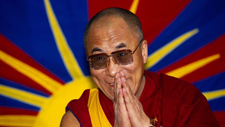 Le Dalai Lama,le chef temporel et spirituel des Tibétains en exil,en décembre 2010. (EYE UBIQUITOUS / UNIVERSAL IMAGES GROUP EDITORIAL / GETTY)